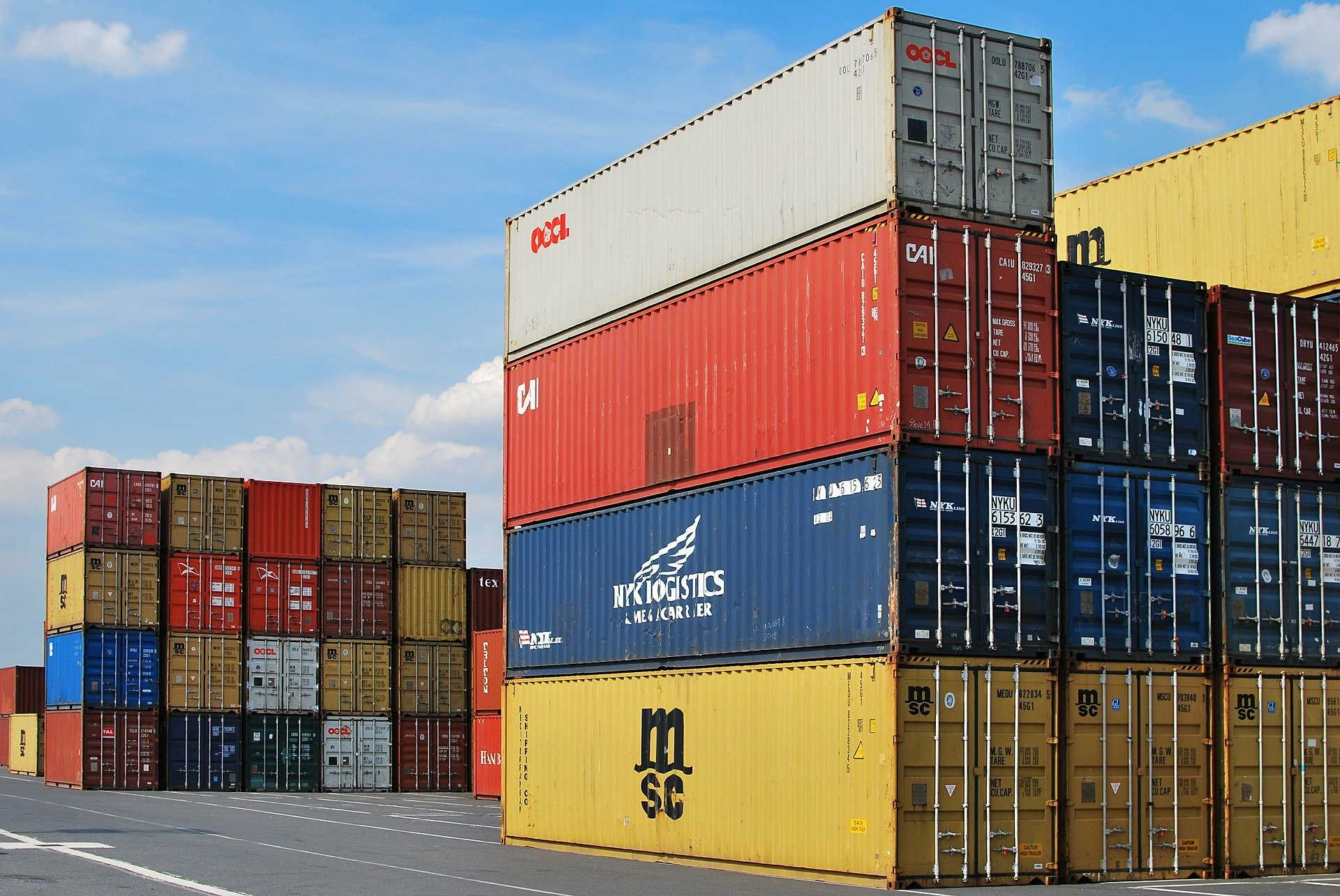 nadwyżka w handlu zagranicznym kwiecień 2021 - grafika wpisu