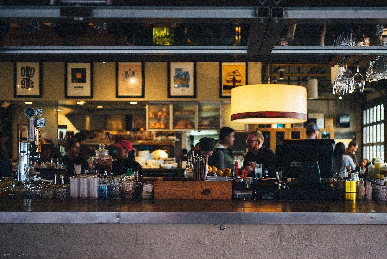 otwarcie restauracji mimo zakazu - grafika wpisu
