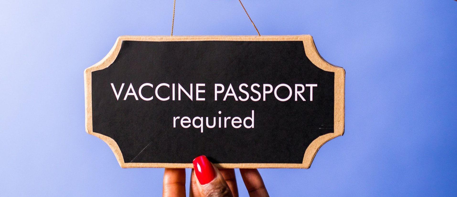 paszporty szczepionkowe w europie - grafika wpisu