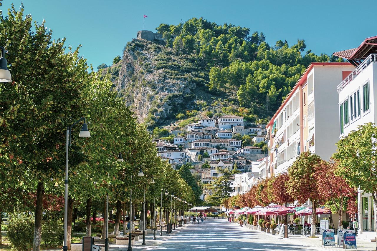 wakacje w albanii testy - grafika wpisu